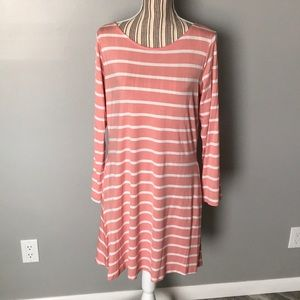 Dresses & Skirts - Beautiful Long Sleeve dress